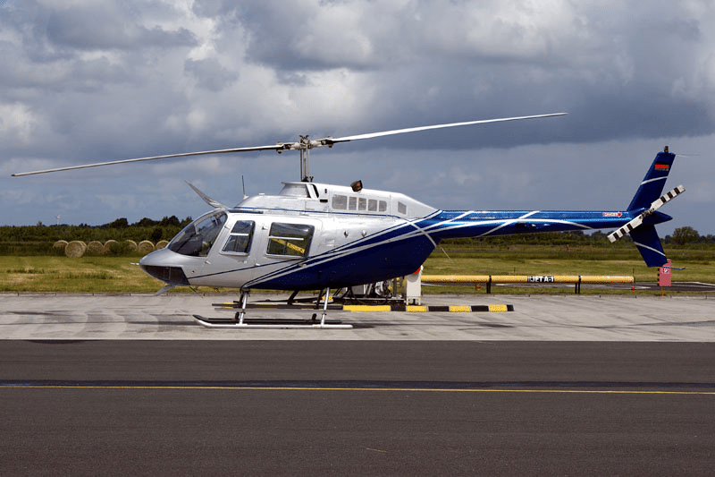 Elicopter de închiriat Bell 206 B3
